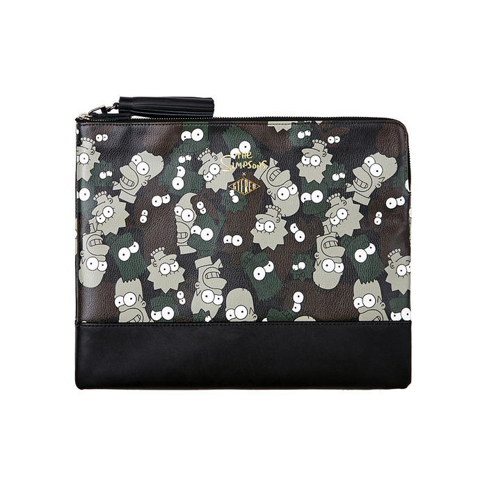 [AW15 The Simpsons] Family Clutch (Camo) 스테레오 바이널즈